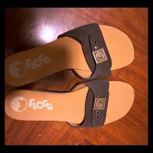 Women's flogg sandal, soft footbed